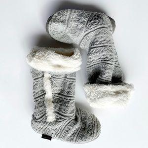 Muk Luks Slippers Sweater Boots Grey Tall Faux Fur